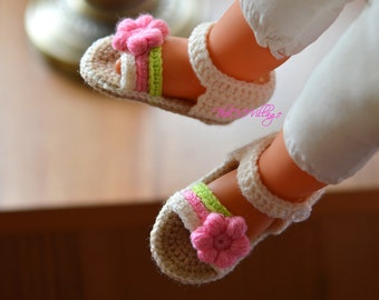 Cream crochet baby sandals, handmade crocheted girl shoes with pink flower
