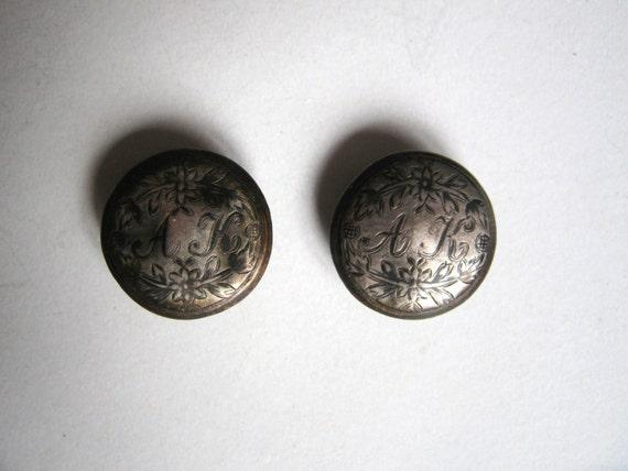 antique silver  button set