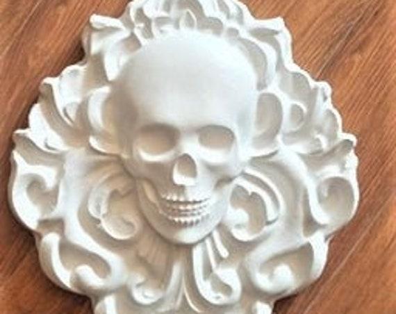 Damask skull wall hanging decor, gothic  skull plaque, elegant skull decoration, skull gift, human skull