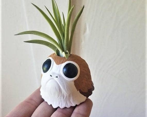 Porg MINI plant air holder , star wars inspired air plant holder, geeky gift, air plant gift set, stocking stuffer
