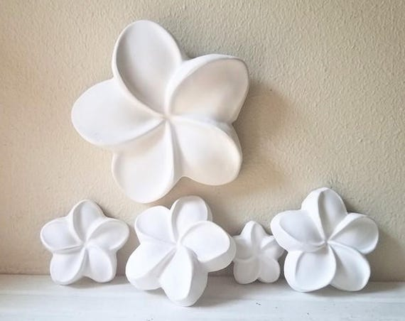 Plumeria wall hanging sculptures, wall flowers, Hawaiian flowers, Frangipani, beach house decor, Hawaiian decor