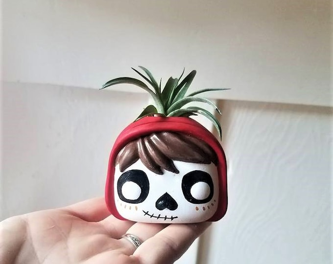 Day of the Dead Coco planter, air plant holder, Day of the Dead gift, dia de los muertos, Miguel Funko Pop inspired sculpture