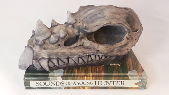 Dragon skull, skull sculpture, dragon gift, Game of Thrones fan gift, dragon decor, centerpiece
