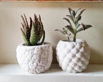 Pineapple planter, Pineapple home accent, Realistic pineapple shaped pot, Succulent planter, tropical decor