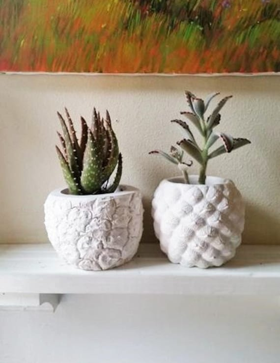 Pineapple planter, Pineapple home accent, Realistic pineapple shaped pot, Succulent planter, tropical decor