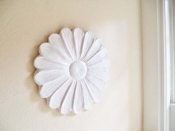 Daisy Wall Flower Sculpture, Over sized white flower, modern floral art, Spring decor, Spring florals