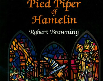 Pied Piper of Hamelin Children's Story as written by poet Robert Browning and Illustrated by Anatoly Ivanov