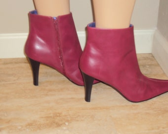b4eabca3a67 1990s Womens Faux Leather Candies Red Zip Ankle Boots Size 9.5-10  Red High  Heel Ankle Booties 90s Pointed Toe Red Zip Ankle Boots