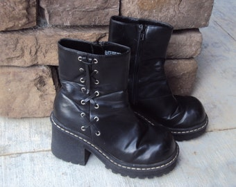 3a0eac53a8d 1980s-90s Womens Black Faux Leather Xhilaration Chunky Heel Platform Zip Ankle  Boots Size 6  Chunky Heel Boots  Vtg Black Ankle Boots