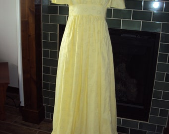 0c110b7ae30 70s Womens Yellow White Dotted Swiss Prom Bridesmaid Formal Empire Waist  Maxi Dress Size S-M  Yellow Dotted Swiss Jr Bridesmaid