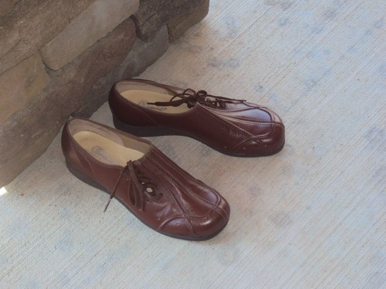 4885045d7e571 Vintage Hand Crafted Clinic Made In USA Womens Brown Oxford Shoes Size 7.5  /Man Made Brown Side Tie Oxford Womens New No Tags Wedge Heel