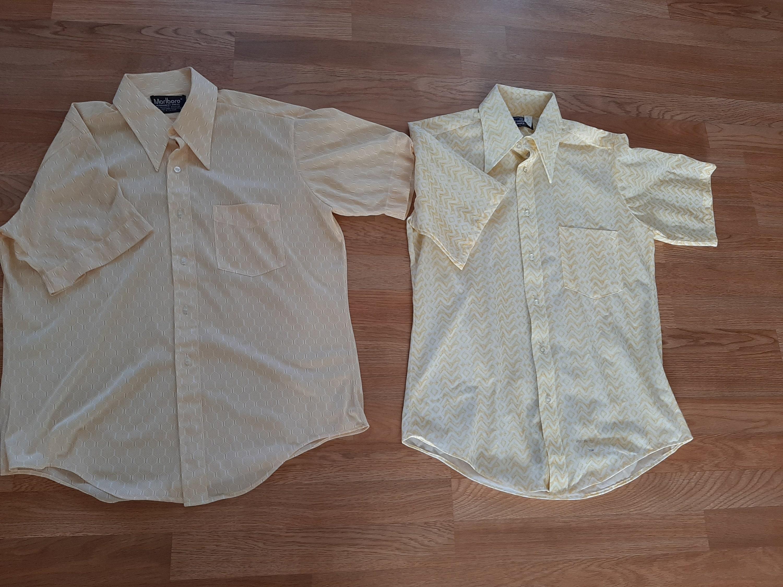 1970s Mens Shirt Styles – Vintage 70s Shirts for Guys 1970S Mens Lot Of 2 NylonPolyesterArnelWhite Geometric Print GoldYellow Sheer Pointed Collar Dress Shirts Size M70S Marlboro Shirt $25.00 AT vintagedancer.com