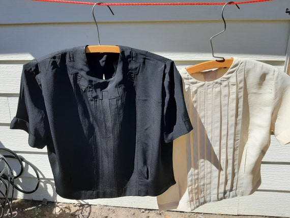 1970s Womens Lot Of 2 Rayon Crop Dress Blouses Siz