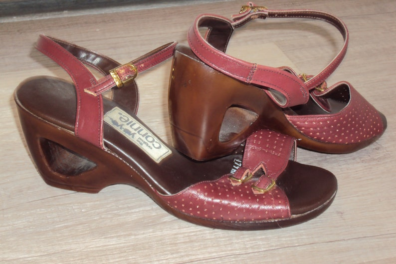 80d168b9597ad 1970s-80s Womens Maroon/Burgandy Cutout Wedge Pin Up Yo Yos Sandals by  Connie Size 7/ Vtg Cutout Wedge Heel Peep Toe Sandals Size 7/ 70s