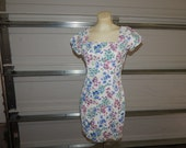 cute fun retro 90s Bongo floral print denim dress size 11, fits like a 9 10 amazing