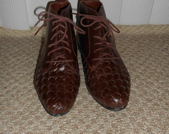 Vintage 80's-90's Brown Woven Leather Lace Up Boots - Size 6