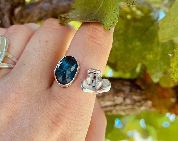 Rose cut Apatite and Succulent Ring • Adjustable sterling silver
