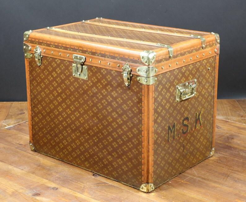 R2331 Aux \u00e9tats unis steamer trunk