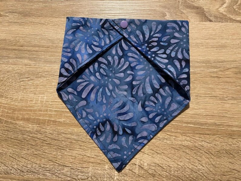Perrywinkle Blue Purple Batik 16 neck Dog Bandana With Snaps Small Elly On The Run