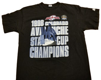 Vintage 90s Colorado Avalanche T-Shirt 1996 Stanley Cup Champions NHL  Starter XL 76c0985b3