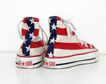 0b56fe8231aa Vintage Sneakers    80 s Made in USA CONVERSE Chuck Taylor American Flag  All Star Sneakers    Perfect Condition