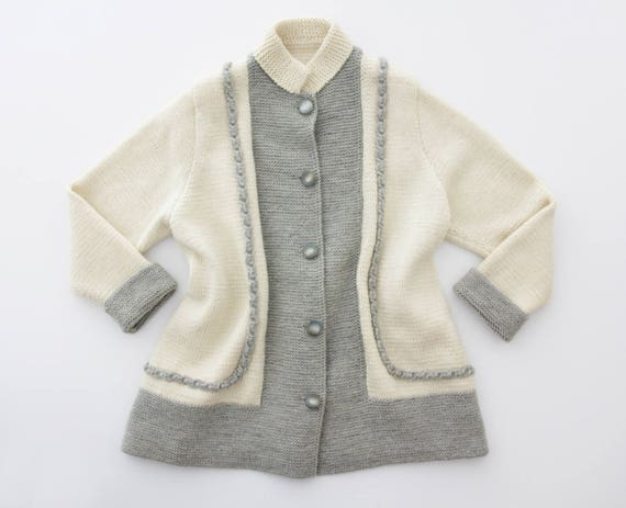Vintage sweater // 70's hand knit cardigan // slou