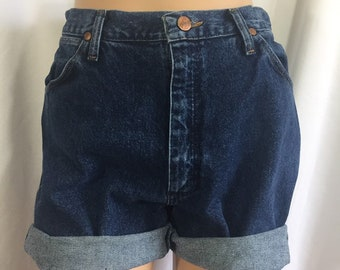 United Ladies 14-28 New Stretch Denim Blue Knee Length Shorts Turn Up Womens Plus Size Clothes, Shoes & Accessories
