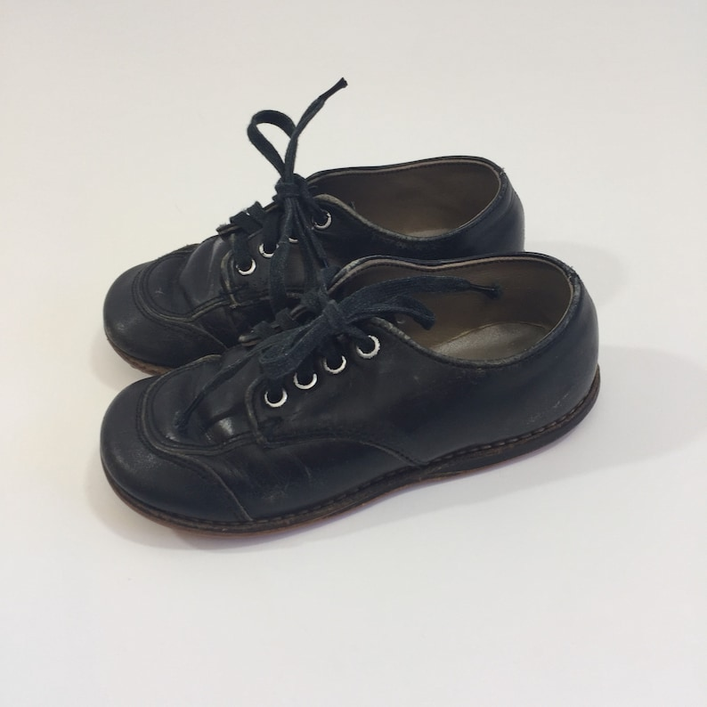 b529e39cd803d 1950's Baby Shoes - Size 7 7.5 - Black Baby Shoes - Vintage Baby Shoes -  Vintage Toddler Shoes - Black Toddler Shoes - Wee Walker - Leather