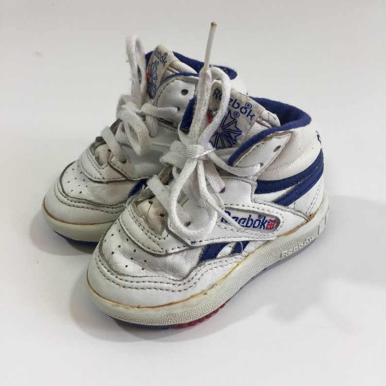 70014c726f603 Vintage Reebok Baby Shoes Size 3 Reebok Sneakers Vintage