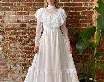 Early 1970s Vintage Prairie Boho Gunne Sax Style Dress Lace Bell Sleeves Rennaissance cotton Union label Cream Colored Cottagecore