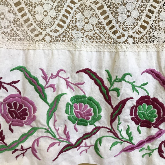 Vintage 1970s Floral Embroidered Neutral Cotton B… - image 8