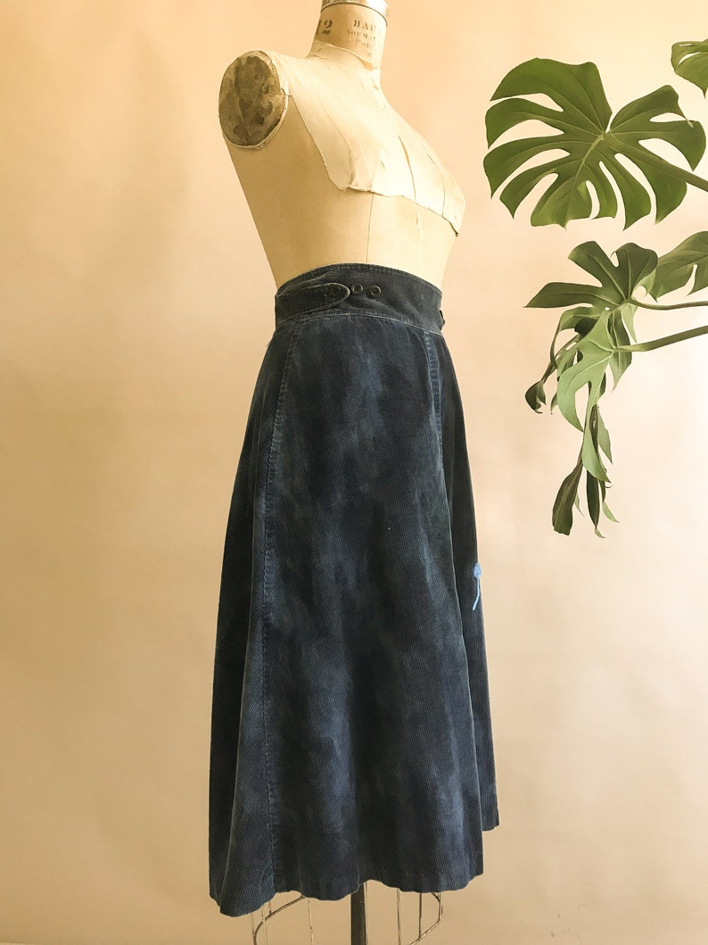Embroidered Mushroom Vintage 1970s Blue Corduroy Embroidered Wrap Skirt Size XSmall-Small 25-27 Waist 70s Cord Skirt 70s Wrap Skirt