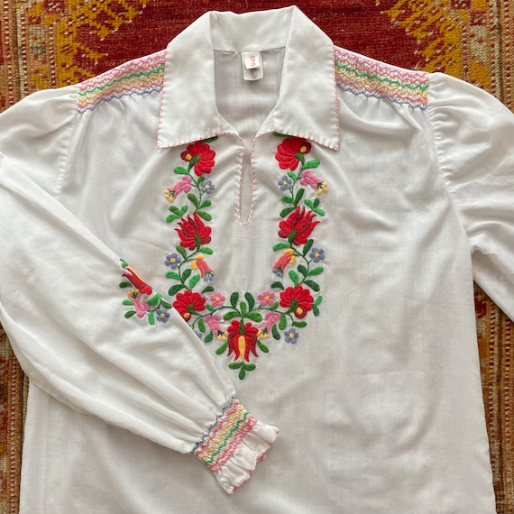 ON HOLD! Vintage 1970s Rainbow Floral Embroidered… - image 7