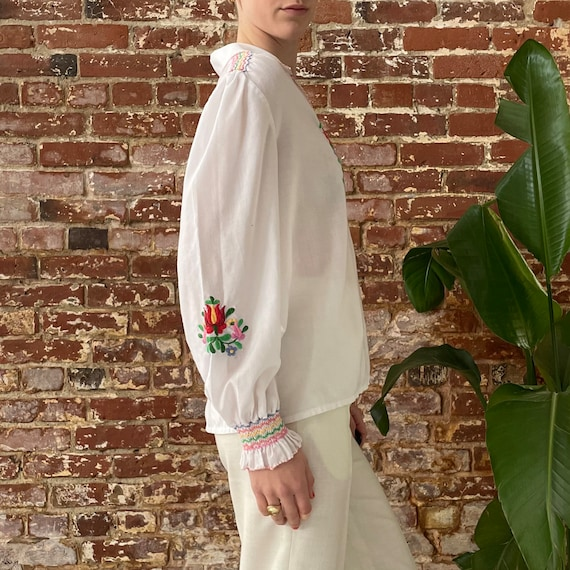 ON HOLD! Vintage 1970s Rainbow Floral Embroidered… - image 2