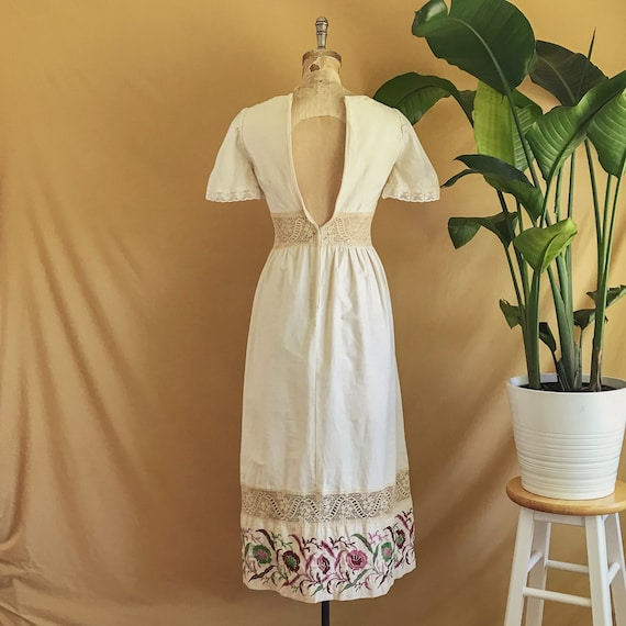 Vintage 1970s Floral Embroidered Neutral Cotton B… - image 5