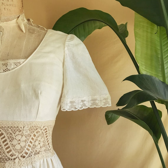 Vintage 1970s Floral Embroidered Neutral Cotton B… - image 4