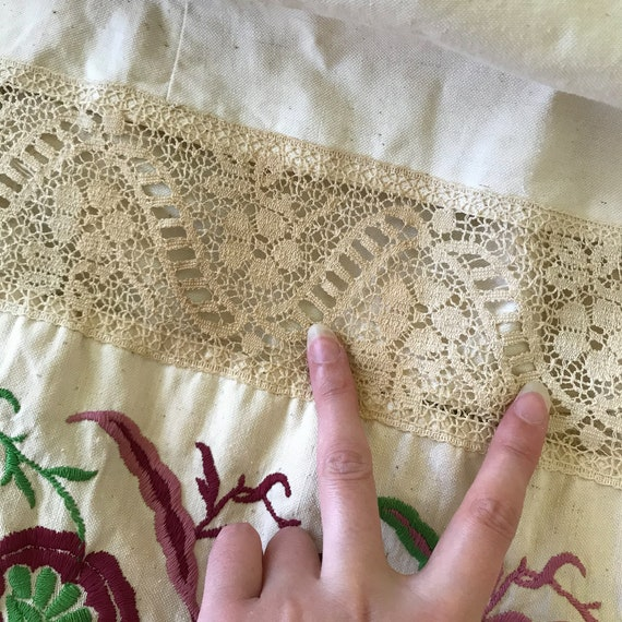Vintage 1970s Floral Embroidered Neutral Cotton B… - image 10