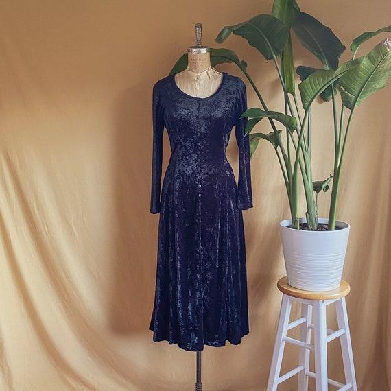 Vintage 1990s Black Crushed Velvet Long Sleeve Max