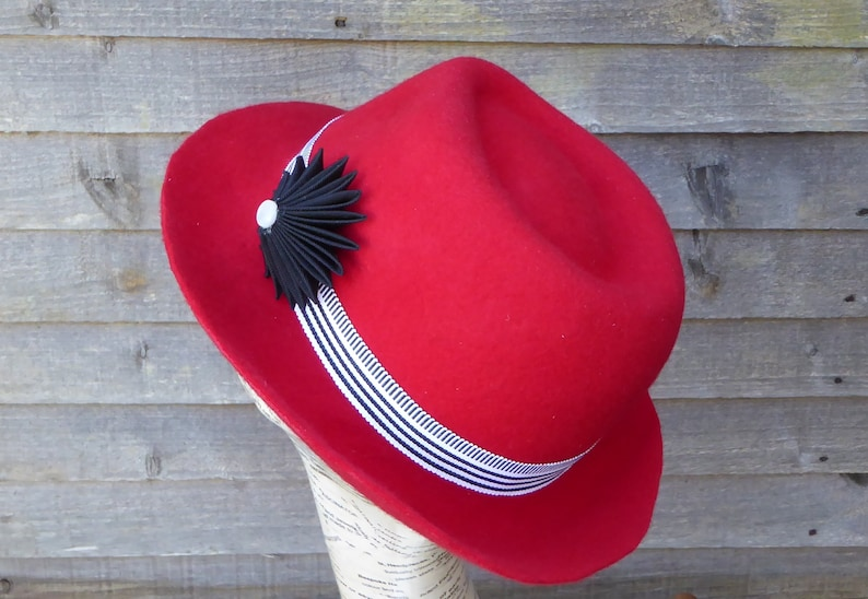 RED wool FELT TRILBY hat with black   white trim. Handblocked  2c6428973e41