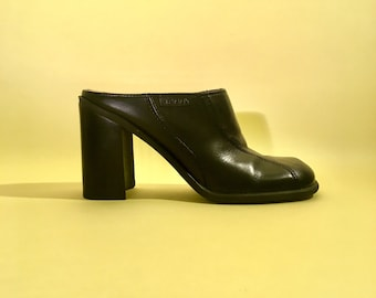 cee7dcb4765d94 90s vintage tommy hilfiger mules black leather clogs chunky block heel 7.5