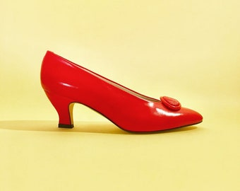 6557091eb98 vintage liz claiborne red leather heels pumps modern minimalist 90s NOS NWOT  deadstock 7.5