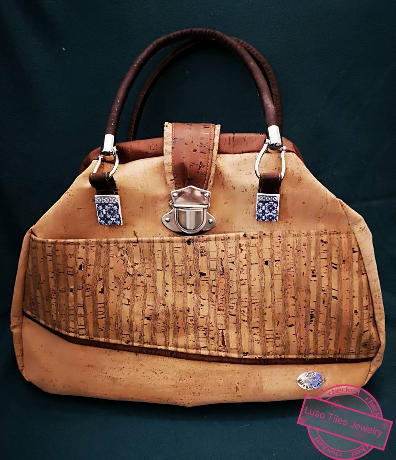 Portuguese  cork women  bag medium size with tipycal image 0