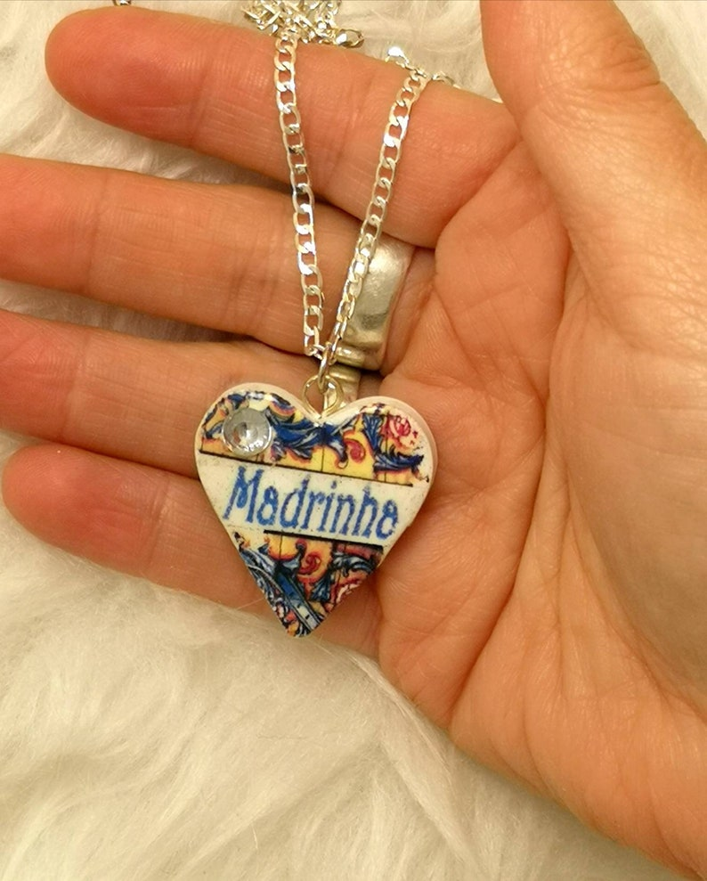 Nice necklace small with heart and the word image 0