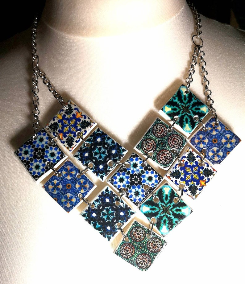 Exceptional choker necklace with replicas of Portuguese tile image 0