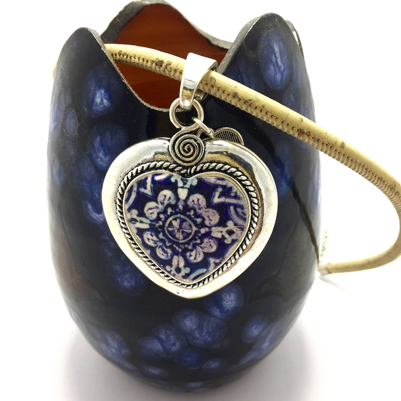 Short heart necklace with blue and white tile. image 0