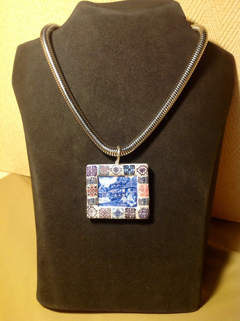 Portuguese Jewelry necklace with Panel of portuguese tile image 0