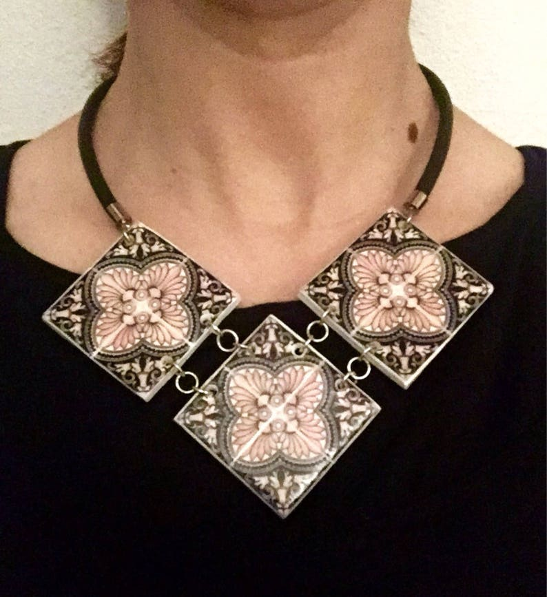 Big choker with 3 portuguese black and beige tiles. image 0