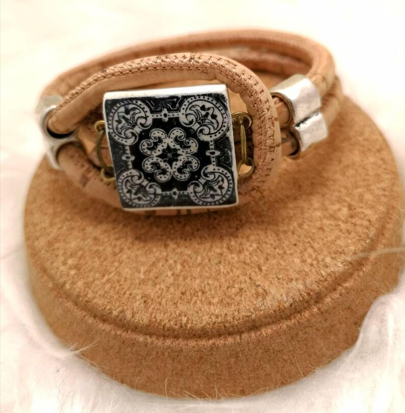 Original and Tipycal Portuguese bracelet. image 0