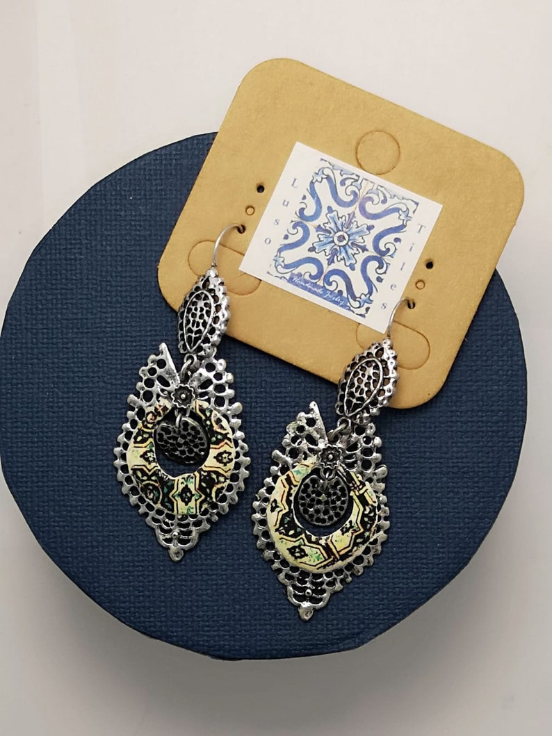 Silver colored Princess Earrings with light Yellow image 0