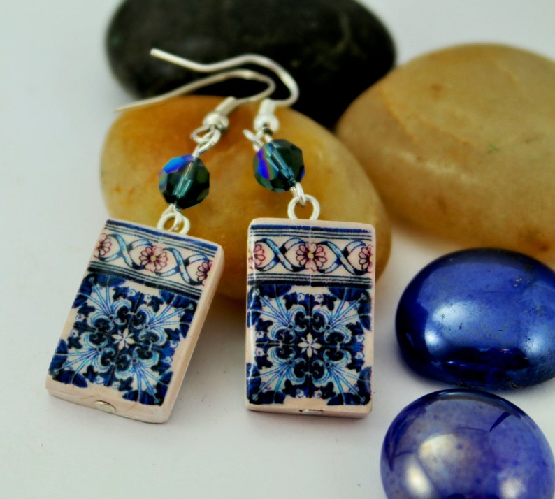 Earrings with Swarovsky Crystal and Tile replica. image 0